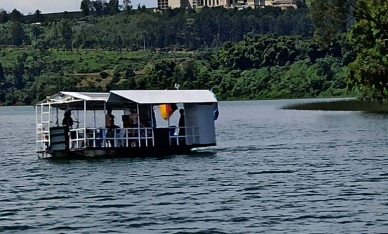 Photo of Sud-Kivu : 5 morts dans le naufrage d'un bateau de plaisance sur le Lac Kivu, le sujet Allemand propriétaire du bateau aux arrêts (Claude Swedi Basila, ministre provincial des Transports)