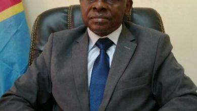 Photo of Le Conseiller Principal du Chef de l'Etat au Collège de Commerce, Désiré Muwala Bol'Makob investi comme Lion Yansi par les notables et Chefs Coutumiers du secteur Mokamo dans le Territoire de Masimanimba.
