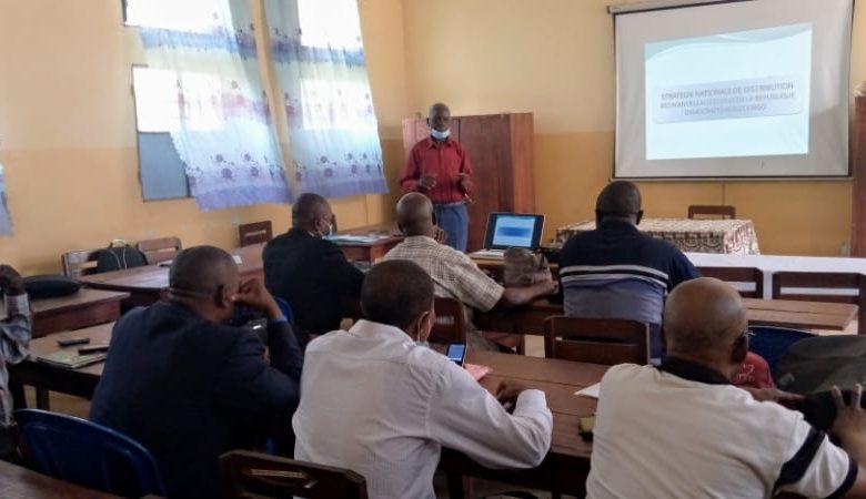 Photo of EPST-Enseignement en langues nationales : la campagne de sensibilisation et distribution se poursuit au Sud Ubangi
