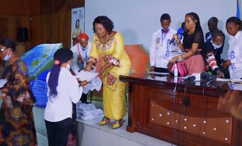 Photo of Kinshasa : Solange Masumbuko au secours des 300 micro-entrepreneurs à Kinshasa
