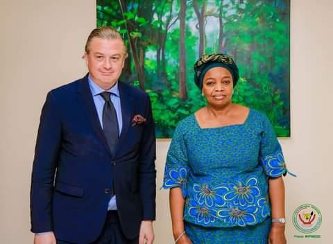 Photo of RDC-Diplomatie environnementale : l'ambassadeur suédois Henric Rasbrant reçu par la VPM Eve Bazaiba