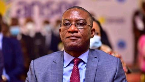 Photo of RDC: Guylain Nyembo, le Dircab du Chef de l'État accusé d'entretenir un gouvernement parallèle