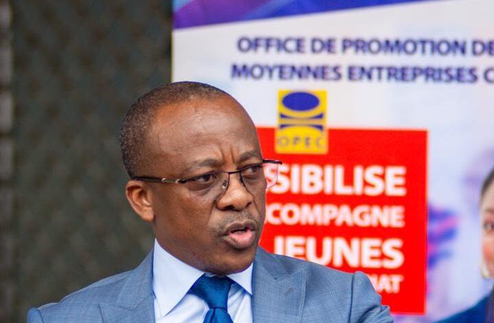 Photo of Soucieux d'accroitre la production des PME locales: Eustache Muhanzi remet des équipements à l'incubateur cuir de l'OPEC